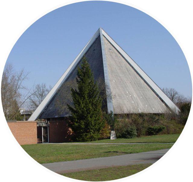 Passionskirche Langwasser